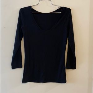 Black 3/4 length sleeve shirt